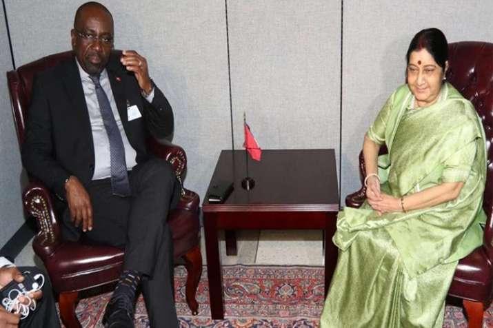मेहुल चौकसी पर कसेगा शिकंजा? ऐंटीगुआ के विदेश मंत्री से मिलीं सुषमा- India TV
