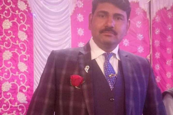 Delhi police head constable shot dead- India TV