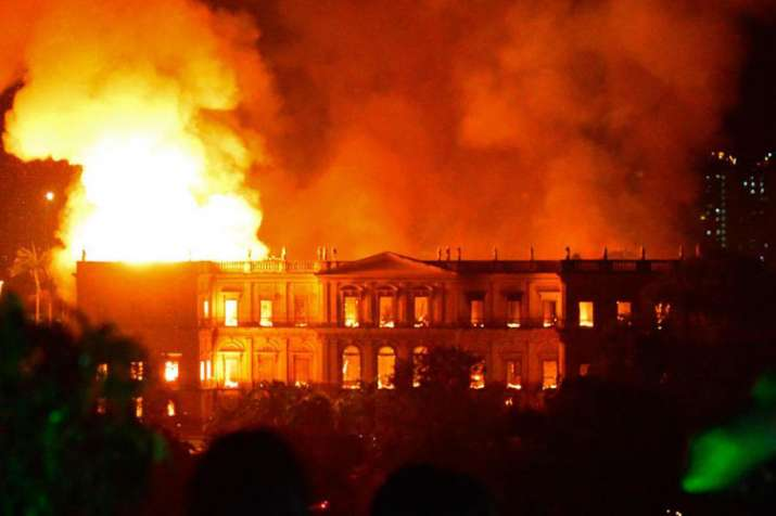 Fire engulfs Brazil National Museum- India TV