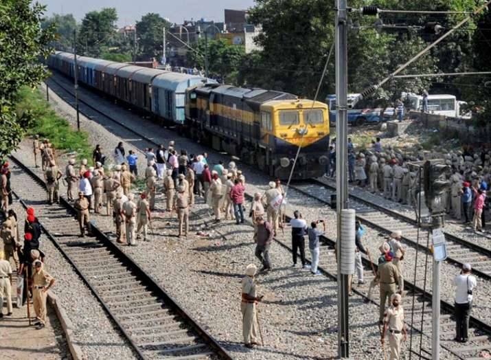 Woman want to adopt child she rescued from Amritsar Train Accident - India TV