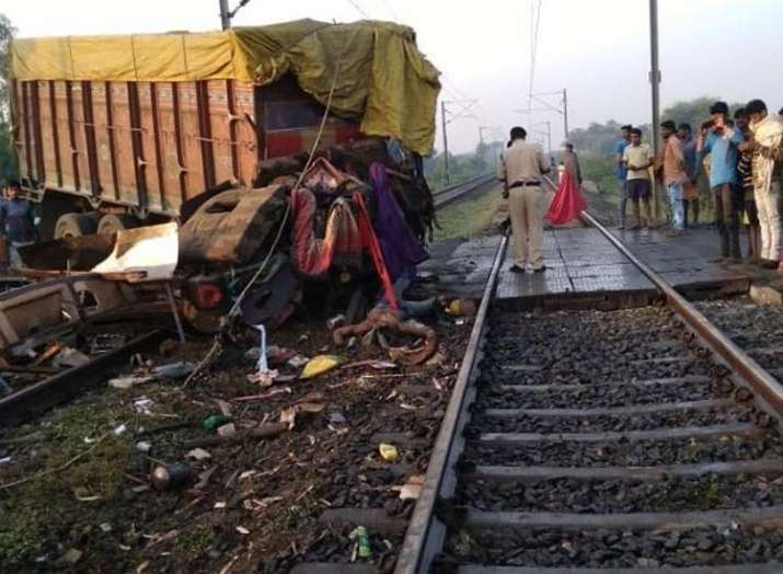 Trivandrum Rajdhani derailed after hit by truck at railway crossing several injured live updates - India TV