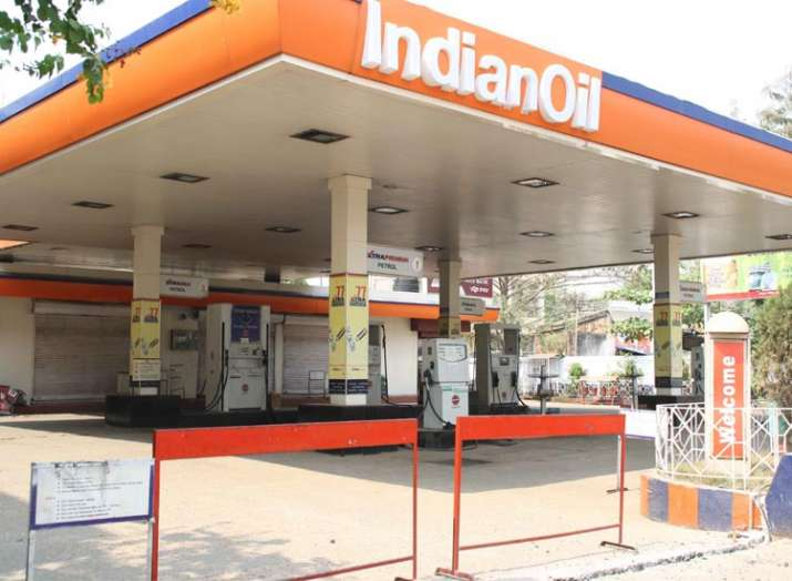 Delhi petrol pumps to remain shut on October 22 as dealers protest state government's refusal to cut- India TV Paisa