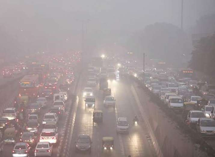 Delhi's pollution woes continue as air quality remains 'poor', authorities warn further deterioratio- India TV