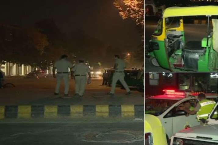 Auto driver stabbed to death by passengers at Connaught Place in Delhi- India TV