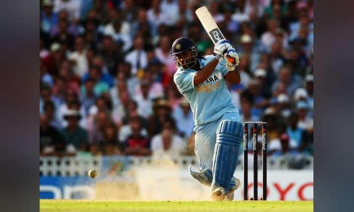 देखिए कैसे एम एस धोनी ने आज ही के दिन दी थी क्रिकेट की दुनिया में धमाकेदार दस्तक- India TV
