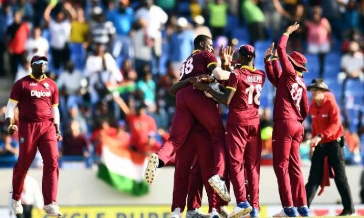 पुणे वनडे: विराट कोहली की शतकीय 'हैट्रिक' बेकार, टीम इंडिया को ऐसे मिला करारी शिकस्त- India TV