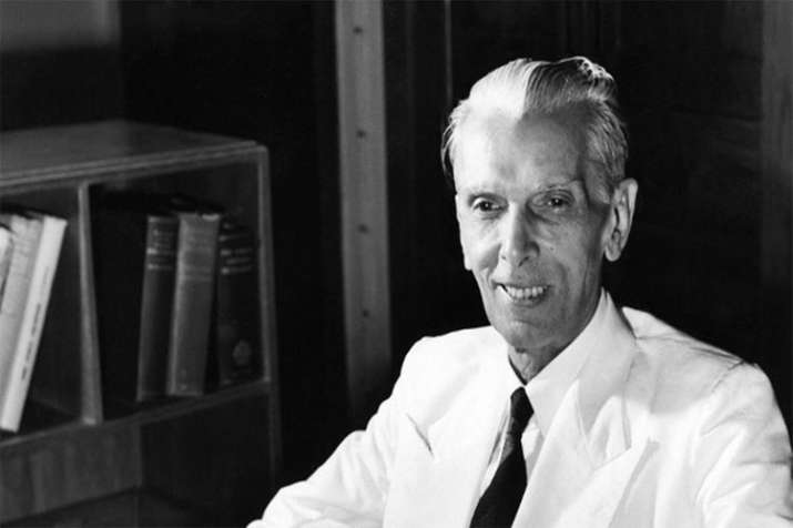 AMU issues notice to librarian on Jinnah photo - India TV