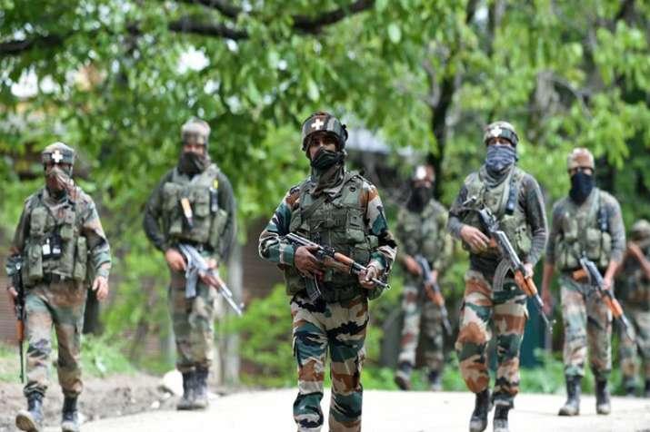जम्मू कश्मीर: निकाय चुनाव से पहले आतंकियों ने NC कार्यकर्ताओं पर की फायरिंग, 2 की मौत- India TV