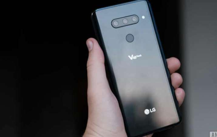 LG V40 ThinQ- India TV Paisa