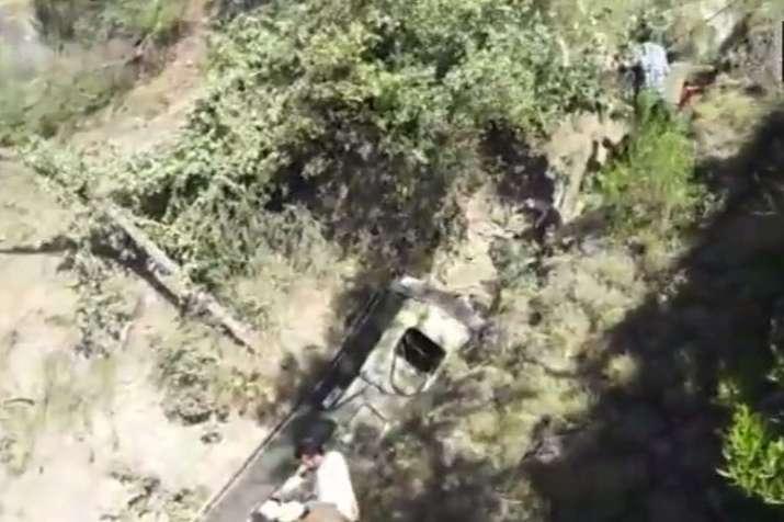 Jammu and Kashmir: 15 people killed, 19 injured as mini bus falls into deep gorge at Kela Mod- India TV