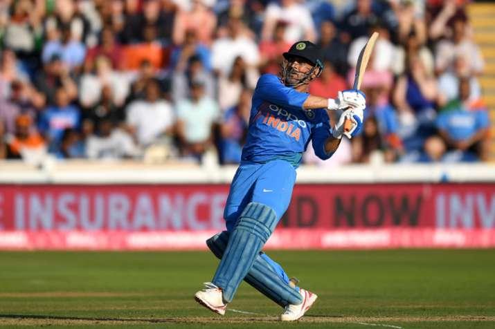 एम एस धोनी- India TV