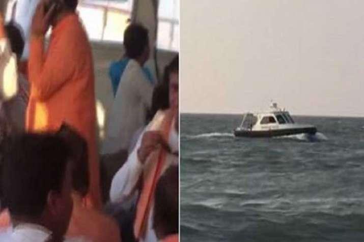 mumbai boat capsized- India TV