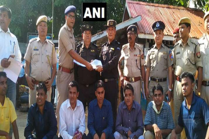 Assam Police hands over the 7 Rohingyas to Myanmar authorities | ANI- India TV
