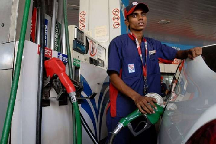 Oil companies shares fall 25-28 per cent after governments decides to cut petrol and diesel prices - India TV Paisa