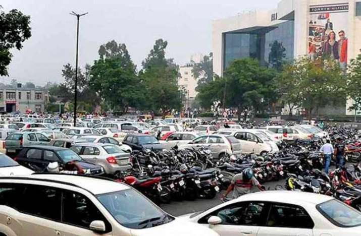 Noida Parking- India TV Paisa
