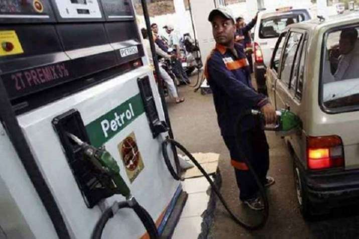 Petrol prices continue to tumble for 11th straight day | PTI- India TV Paisa