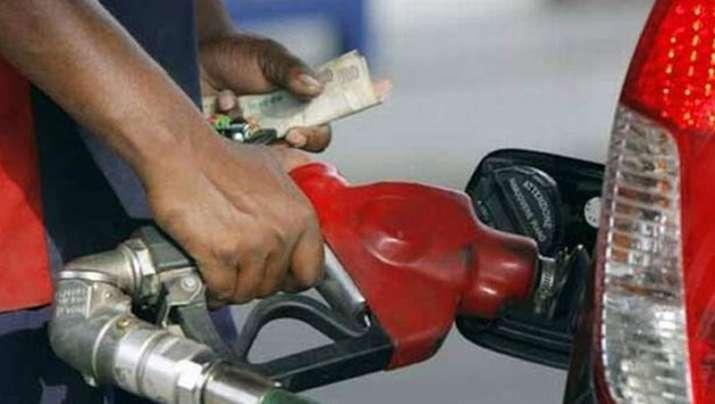 Image result for पेट्रोल-डीजल की कीमतों में लगातार 13वें दिन आई गिरावट