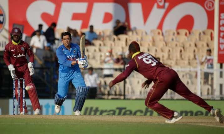MS Dhoni 1 run away from 10,000 runs - India TV