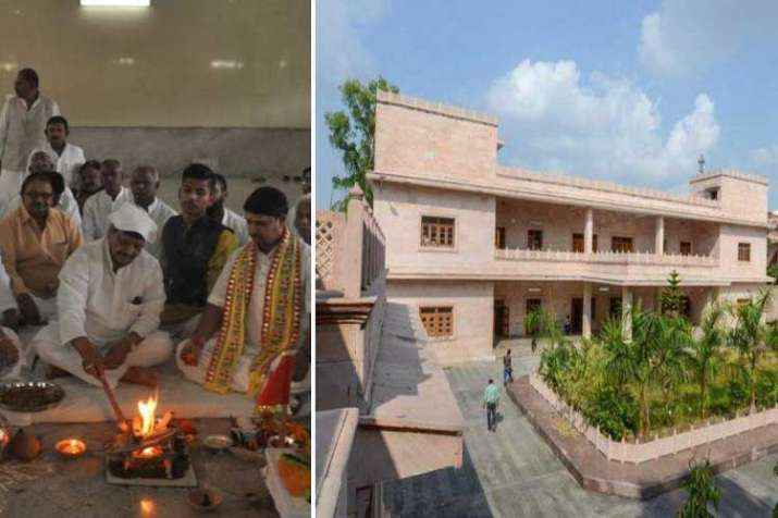 Shivpal Yadav moves into Mayawati's old bungalow- India TV