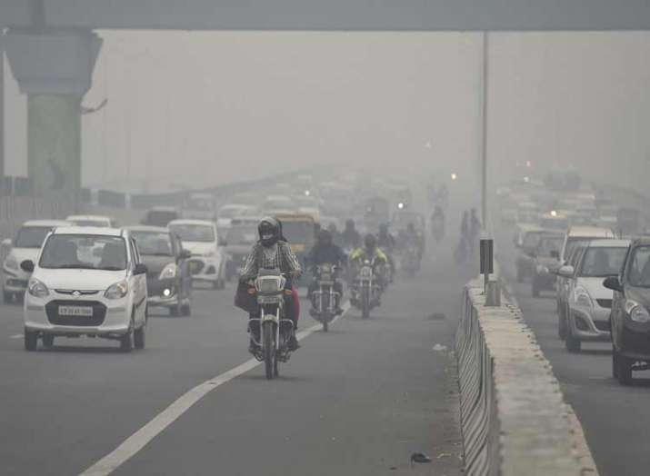 Delhi records season's worst air quality ahead of...- India TV