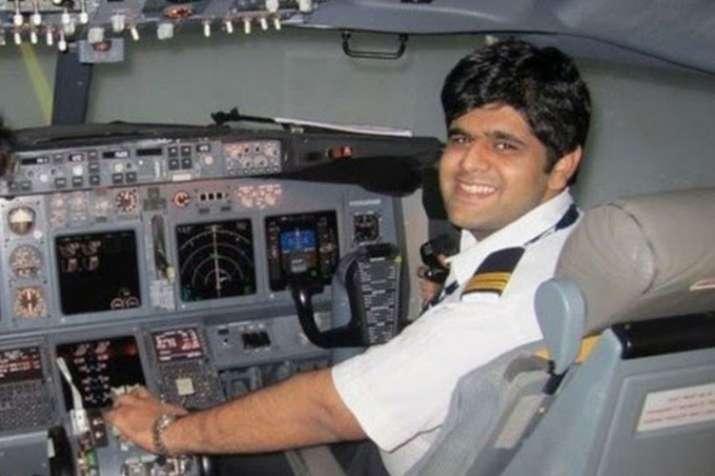 इंडोनेशिया विमान हादसा: भारतीय पायलट के शव की पहचान हुई, सुषमा स्वराज ने ट्वीट कर दी जानकारी- India TV