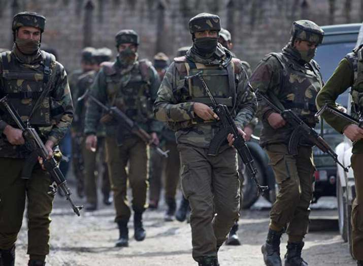 J-K: One JeM terrorist killed, policeman injured in Tral enconter, huge cache of arms and ammunition- India TV