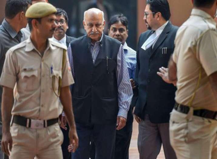 अमेरिकी पत्रकार ने लगाए एम जे अकबर पर ''जबर्दस्ती और शक्ति के दुरुपयोग'' करने के आरोप- India TV