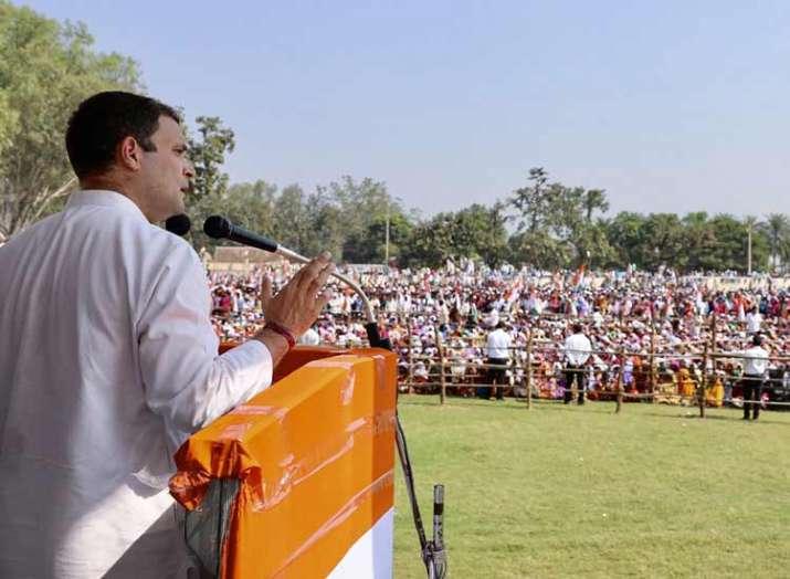 प्रधानमंत्री ने सूटबूट वाले दोस्तों को फायदा पहुंचाया, युवाओं के सपने को मिट्टी में मिलाया: राहुल गा- India TV