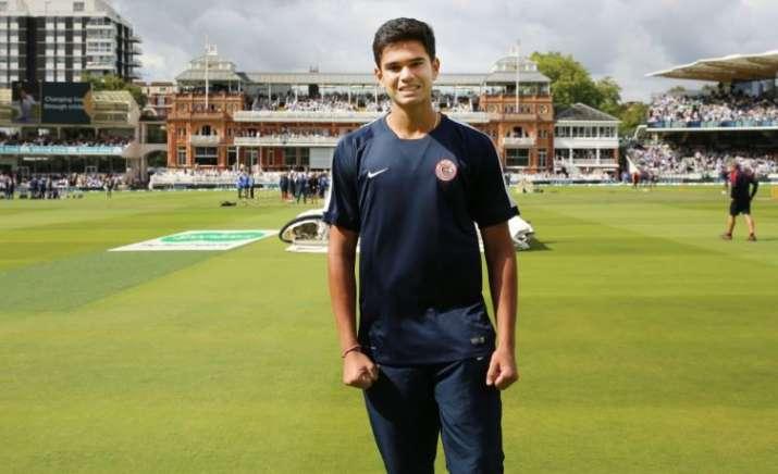कूच बिहार ट्रॉफी में अर्जुन तेंदुलकर का जलवा, दिल्ली के खिलाफ झटके 5 विकेट- India TV