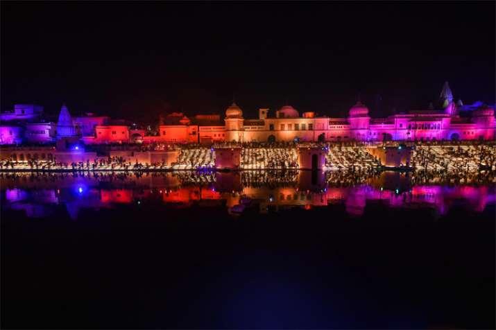 Ayodhya Deepostav: सरयू तट पर तीन...- India TV