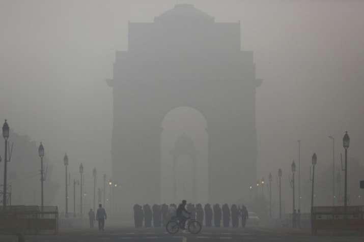 दिल्ली में प्रतिबंधों के बावजूद दूसरे साल भी बढ़ा प्रदूषण- India TV