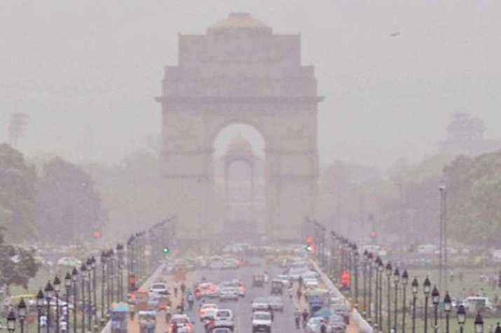 'बहुत खराब' है दिल्ली की हवा, सोमवार से हालात और खराब होने की चेतावनी- India TV