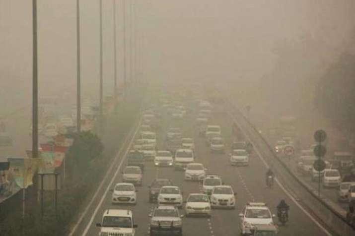 दिल्ली में बढ़ते प्रदूषण और धुंध से बचाने के लिए सरकार अब कराएगी आर्टिफिशियल बारिश- India TV