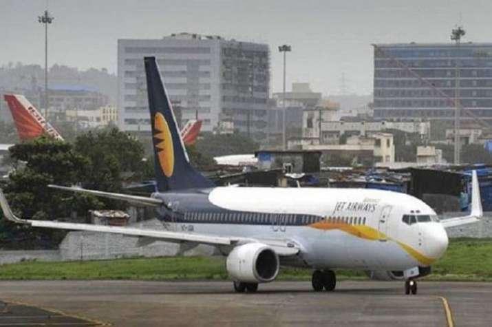 Jet Airways passenger heard 'threatening to blow up plane', detained at Kolkata airport - India TV