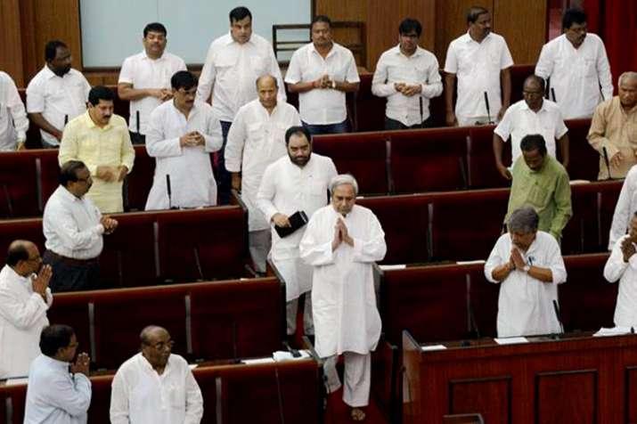 विधानसभा, संसद में महिलाओं को एक तिहाई आरक्षण देने का प्रस्ताव ओडिशा विधानसभा में पारित - India TV
