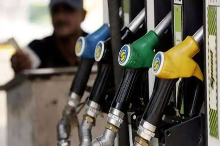 Oil companies to allocate new 65000 petrol pumps before general elections 2019- India TV Paisa