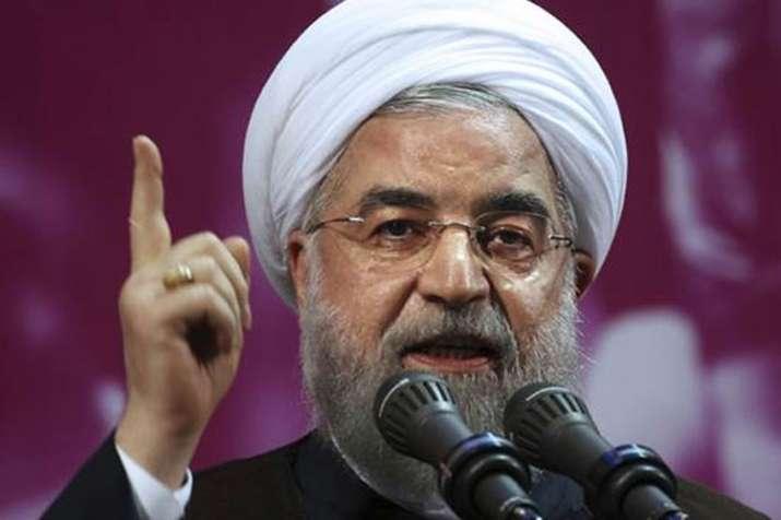 अमेरिकी प्रतिबंधों के बाद ईरान के राष्ट्रपति रूहानी ने कहा-हम युद्ध जैसे हालात में हैं - India TV