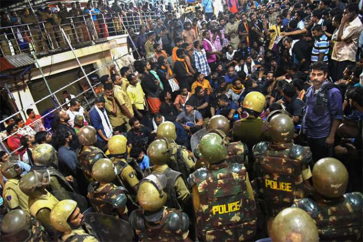 Protests at Sabarimala, dozens in custody during midnight, BJP observes protests, block vehicles- India TV