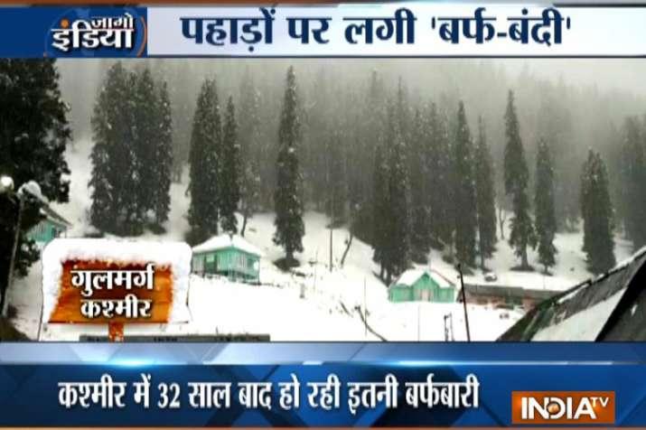 जम्मू-कश्मीर, हिमाचल और उत्तराखंड में रिकॉर्डतोड़ बर्फबारी, तूफान का अलर्ट जारी- India TV