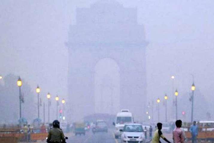 दिल्ली में वायु गुणवत्ता बेहद खराब, ईपीसीए ने अधिकारियों के डीजल गाड़ी इस्तेमाल पर जताई चिंता - India TV