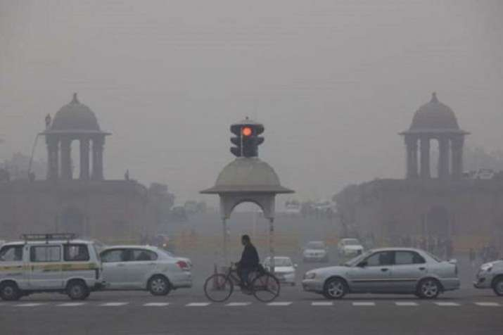Cold Thursday morning in Delhi NCR, air quality 'very poor' | PTI- India TV