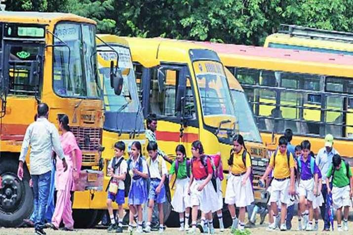 दिल्ली के निजी स्कूलों पर अभिभावकों का 750 करोड़ रुपया बकाया- India TV