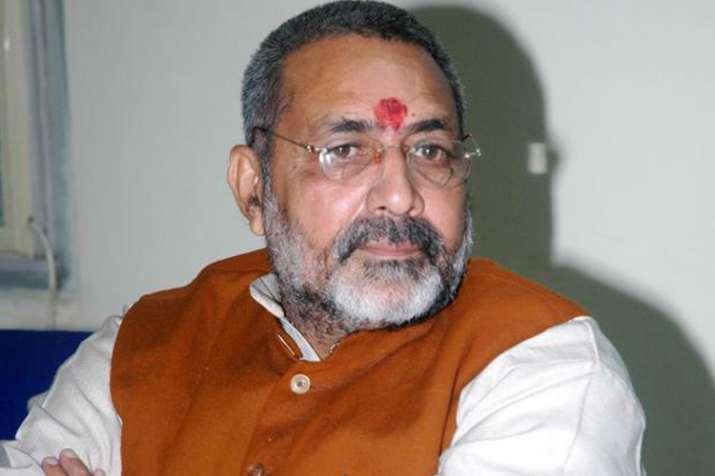 कांग्रेस ने महात्मा गांधी के नाम का इस्तेमाल राजनीतिक लाभ के लिए किया: गिरिराज सिंह- India TV