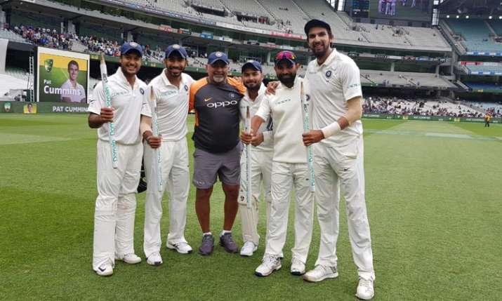 आग उगलती भारतीय गेंदबाजी के पीछे है ये शख्स, कोच रवि शास्त्री ने किया खुलासा- India TV