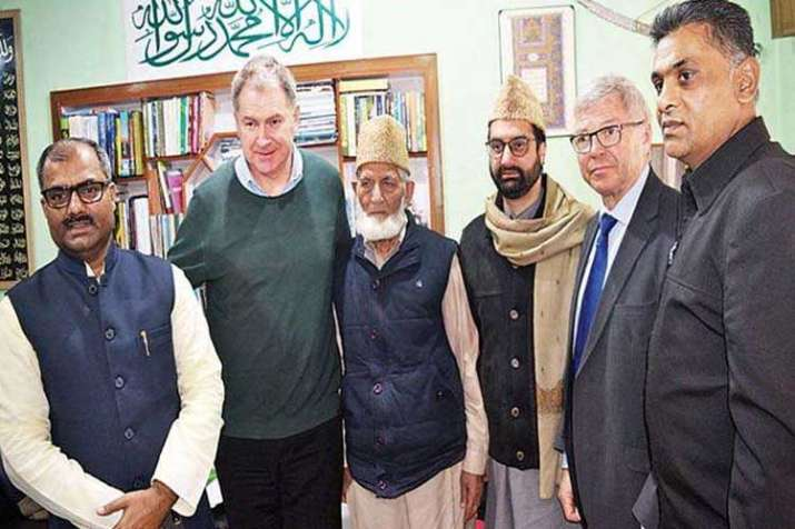 कश्मीर यात्रा में...- India TV