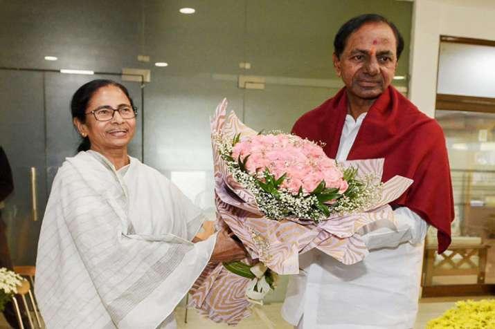 TRS chief K Chandrasekhar Rao meets Mamata Banerjee, adds steam to third front push- India TV
