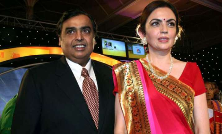 mukesh and nita ambani- India TV Paisa