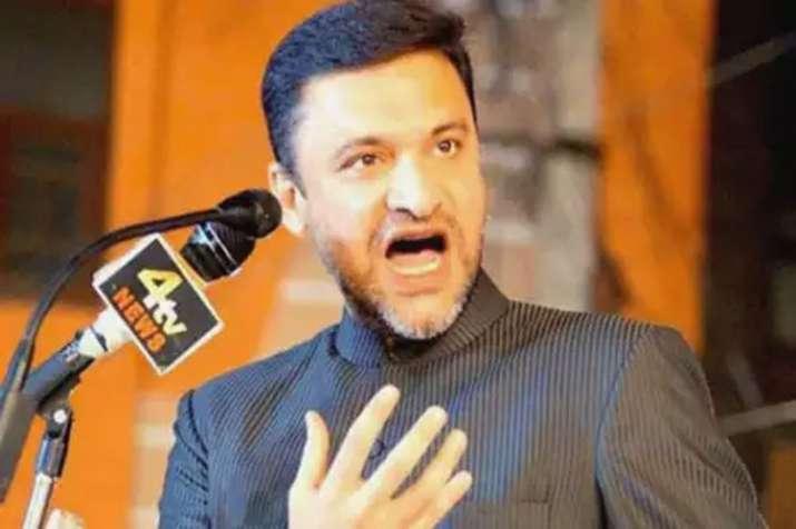 After Asduddin now Akbaruddin Owaisi targates Yogi...- India TV
