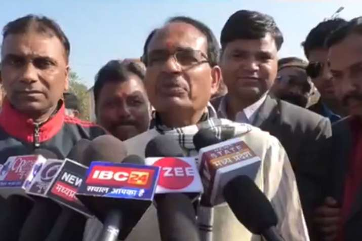 शिवराज सिंह ने बीजेपी की जीत का भरोसा जताया, कहा-मुझसे बड़ा सर्वेयर कोई नहीं- India TV