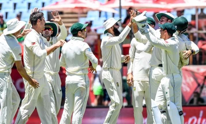 दक्षिण अफ्रीका बनाम पाकिस्तान: पहले दिन रहा गेंदबाजों का दबदबा, ओलिवर ने झटके 6 विकेट- India TV